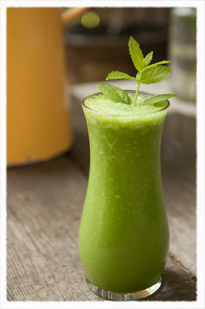 smoothies: mint apple